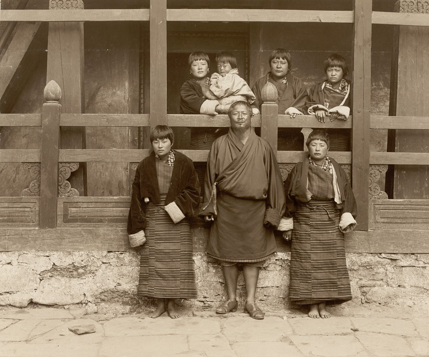 Tongsa Penlop [Sir Ugyen Wangchuk] and family [Tongsa, Bhutan]
